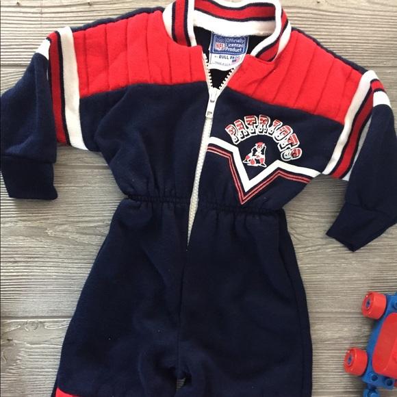 97fa7e1e1 Vintage New England Patriots Baby Outfit NFL. M 5abcc9099d20f0b6c4c6e1e2